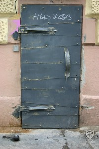 Metal Doors with Feather Handle