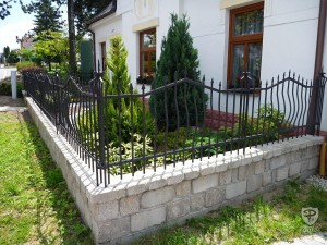 Convex Steel Fence